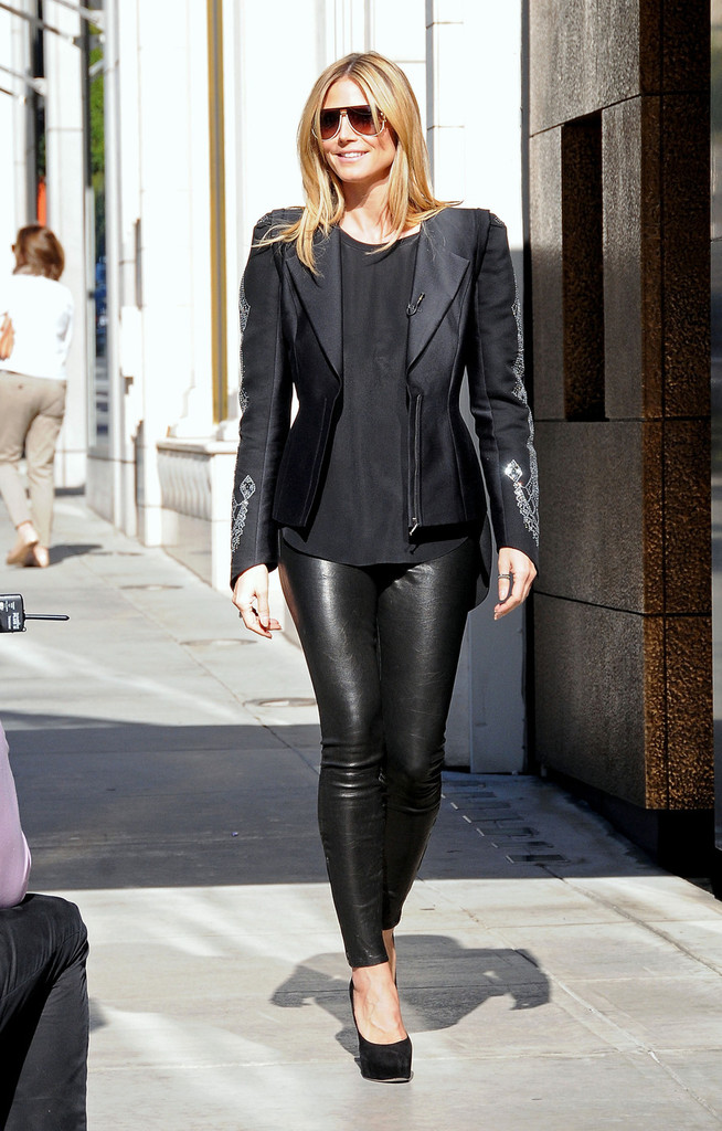 Heidi-Klum-Hot-in-Leather-Pants-in-Beverly-Hills--08