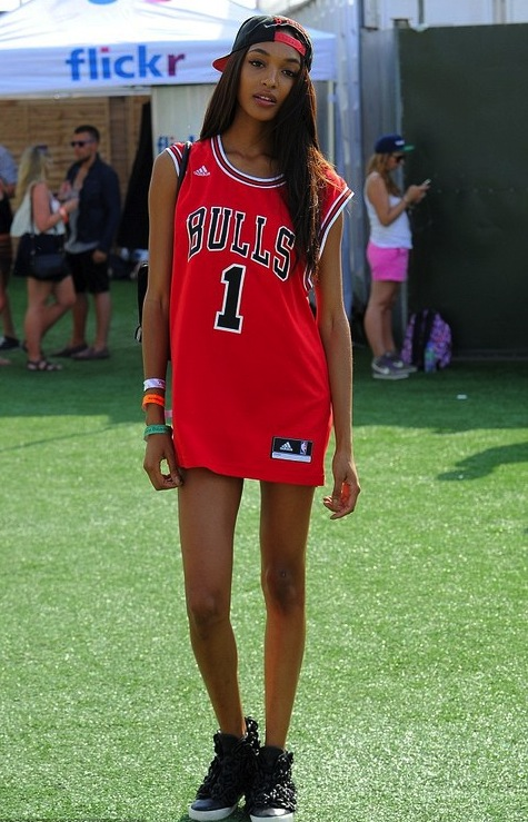 jourdan-dunn-bulls-jersey-wireless-festival-uk-chanel-sneakers-b-side-by-wale-hat